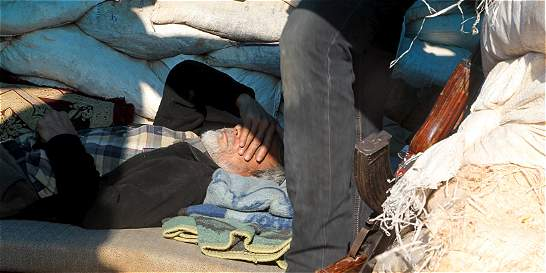Programa Mundial de Alimentos dice que sirios en Daraya comen césped
