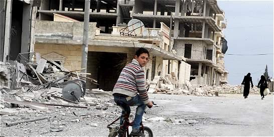 Aviación rusa mantendrá bombardeos contra 'terroristas' en Siria