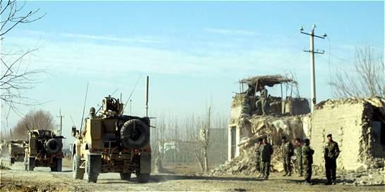 Fuerzas armadas de Afganistán expulsan a los talibanes de Kunduz