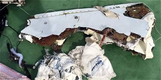 Forenses egipcios no pueden confirmar explosión en avión de Egyptair
