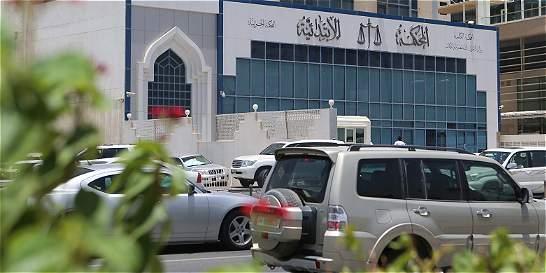 Con la etiqueta #FreeLaura se pide libertad de mujer violada en Qatar