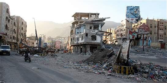 Aumenta a 35 número de víctimas en atentado en Yemen