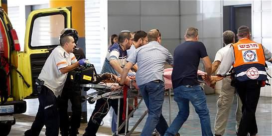 Un atacante palestino muere tras apuñalar a dos civiles israelíes