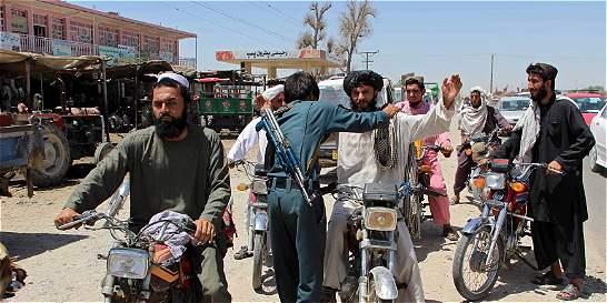 Gran avance de los talibanes en Helmand, el sur de Afganistán