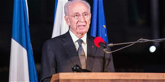 Shimon Peres bajo anestesia tras derrame cerebral