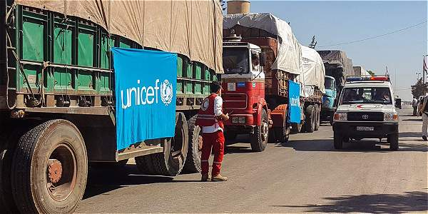 Siria: un convoy con ayuda humanitaria es bombardeado cerca de Alepo