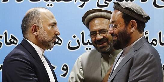 Gobierno afgano y segundo grupo insurgente firman acuerdo de paz