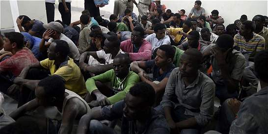 Al menos 100 muertos en un naufragio frente a las costas de Egipto