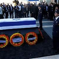 Miles despiden al expresidente israelí Shimon Peres