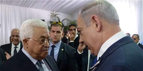 El apretón de manos entre Abbas y Netanyahu en funeral de Shimon Peres
