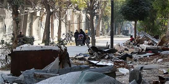 Primeros bombardeos aéreos del régimen sirio contra Alepo