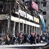 Miles de civiles evacuan Alepo tras anuncio sorpresa de tregua rusa