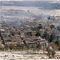 Estado Islámico se retira de Palmira tras violentos bombardeos rusos