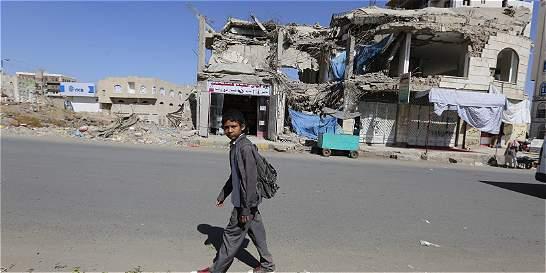 Mueren nueve personas en bombardeos cerca de una escuela en Yemen