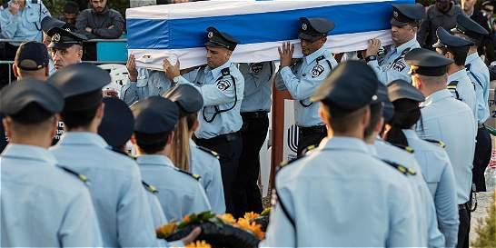 Crece tensión en Israel tras muerte de un policía y un beduino