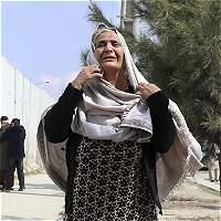 Víctimas de ataque a hospital militar de Kabul ascienden a 38