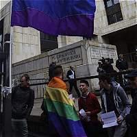 Mayoría de colombianos se opone a matrimonio gay: encuesta