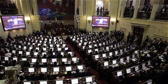 Hunden proyecto de unificación de periodos de alcaldes y gobernadores