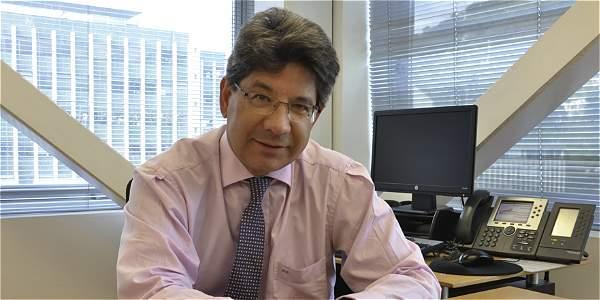 Presidente Santos posesionó a nuevo magistrado de Corte Constitucional