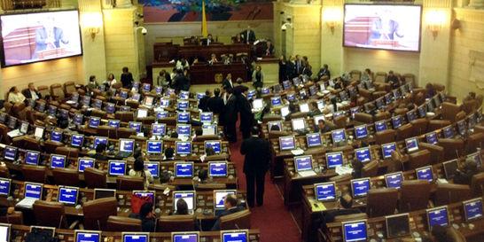 Apagón en el Congreso aplaza debate de moción de censura a Minhacienda