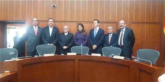 Estos son los senadores que investigarán a Jorge Pretelt
