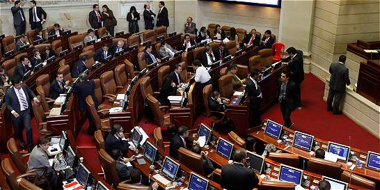 Cámara hundió conciliación de proyecto que obligaba a renovar pases