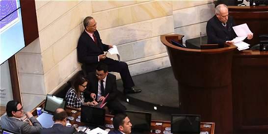 Pretelt habla en el Senado antes de votación de acusación