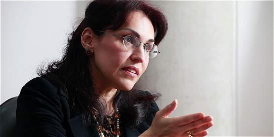 'El profesor Pruett sale a pelear contra un fantasma': Viviane Morales