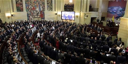En el Congreso defienden proyecto para limitar la adopción homosexual