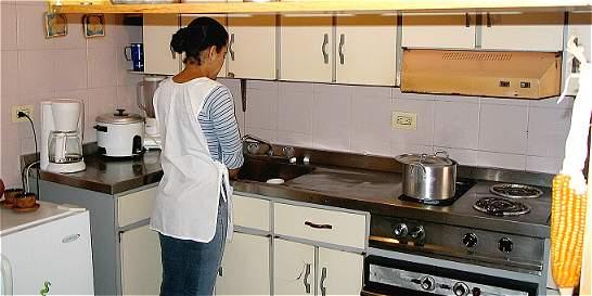 Trabajadores domésticos recibirán por primera vez prima de Navidad