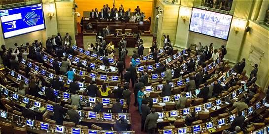 Proyecto de referendo para la adopción gay avanzó en el Senado