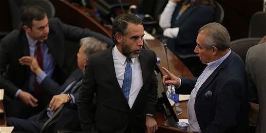 Con escaso quórum en Senado, avanza trámite de ley de amnistía
