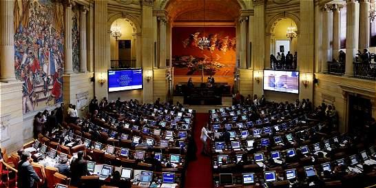 Senado aplaza aprobación de proyecto sobre voceros de Farc