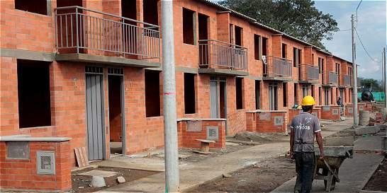 Minvivienda solicitó a Contraloría revisar cifras de viviendas gratis