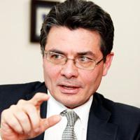 Minsalud anuncia cambios al sistema sin recurrir a una gran reforma