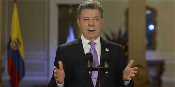 'Hay que defender la institucionalidad a toda costa': Santos
