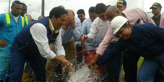Antes de lo previsto, puerto de Tumaco volvió a recibir agua potable