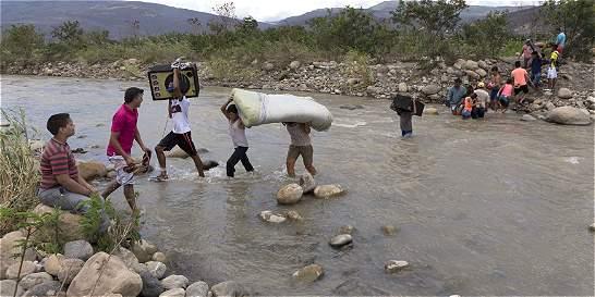 200 hombres de la Policía apoyan labores humanitarias en la frontera
