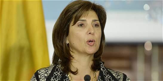 Canciller dice que es 'escéptica' a avances ante crisis con Venezuela