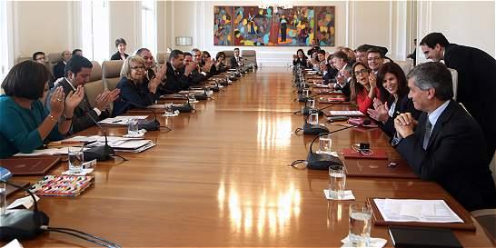 Rafael Pardo tiene el reto de poner en marcha los acuerdos de paz