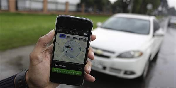 Decreto de taxis de lujo pone reglas a servicios como Uber