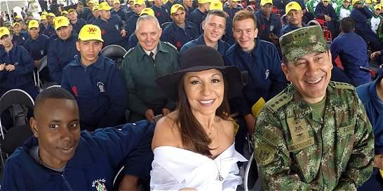 200 soldados héroes recibieron un aguinaldo de $ 6.663 millones