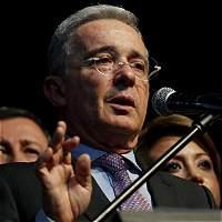 Uribe dice que hay persecución judicial contra su partido y su familia