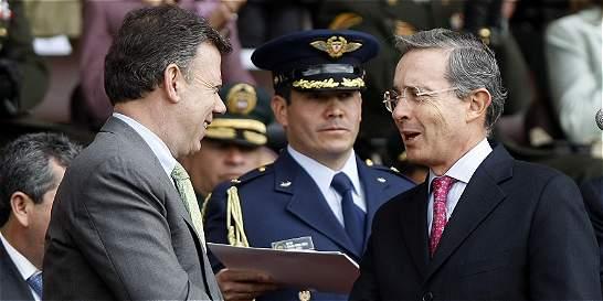 Presidente Santos da primer paso para firmar la paz con Álvaro Uribe