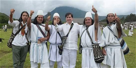 Ministro del interior hace pedagogía de paz con los indígenas