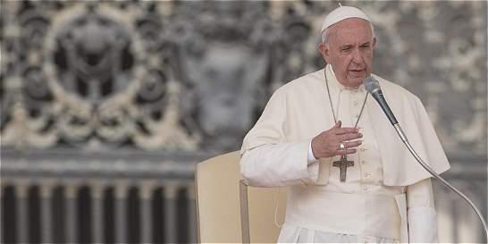 Papa agradeció a Santos por 'haber dado todo' por la paz del país