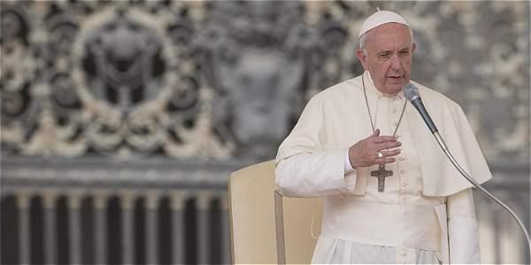 Papa agradeció a Santos por
