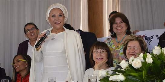 Piedad Córdoba se comprometió a buscar una Asamblea Constituyente