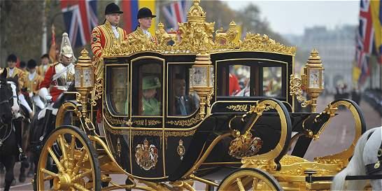 'Santos es testimonio de tesón': reina Isabel II