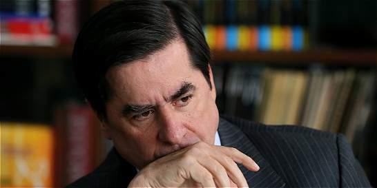 Presidente busca pacto para reforma política por la vía rápida